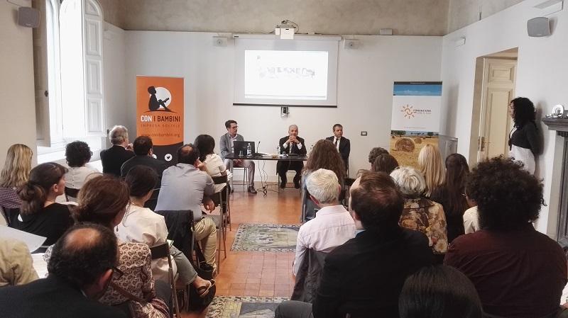 """""""Fondazione con il Sud"""" e impresa sociale """"Con i bambini"""" contro la povertà educativa"""