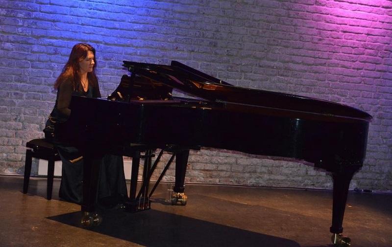 Intervista alla pianista neoclassica Antonija Pacek dal pubblico multigenerazionale e multiculturale